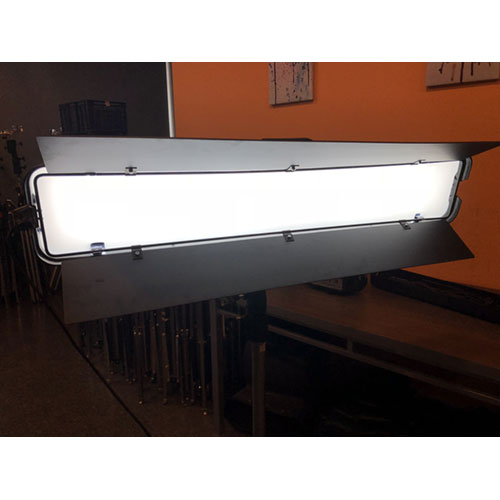 Alquiler Luces LED de Estudio Obarrio Tetra100 Wide LED Bicolor Rental Buenos Aires Argentina